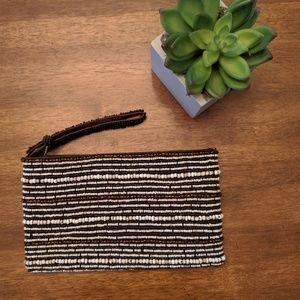 Handbags - 👜 Beaded Wristlet with Zipper